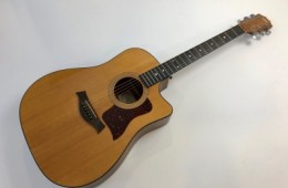Taylor 310 CE Natural 2001